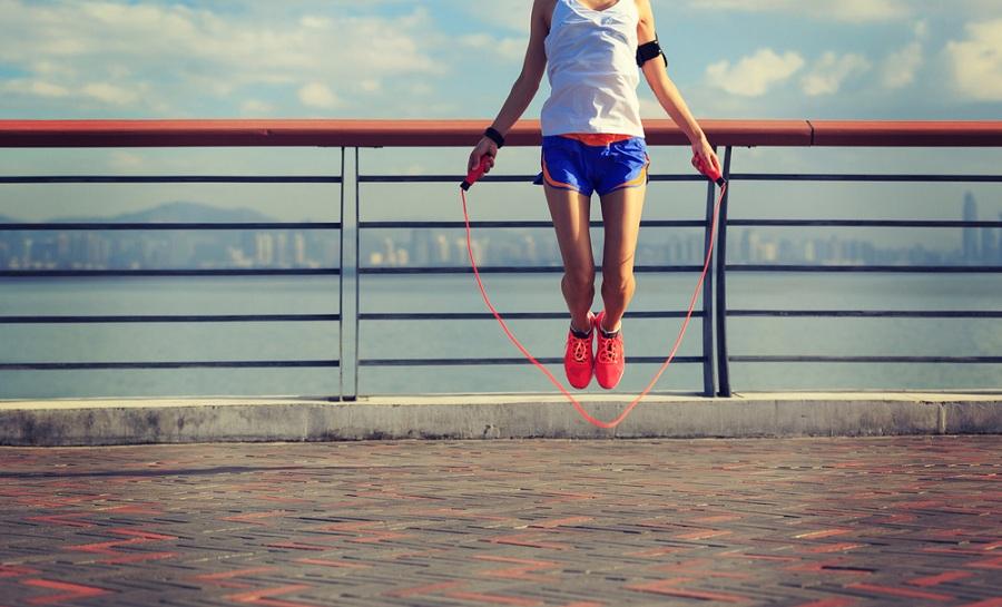 Klasszikus sporteszköz modern köntösben: az ugrálókötél